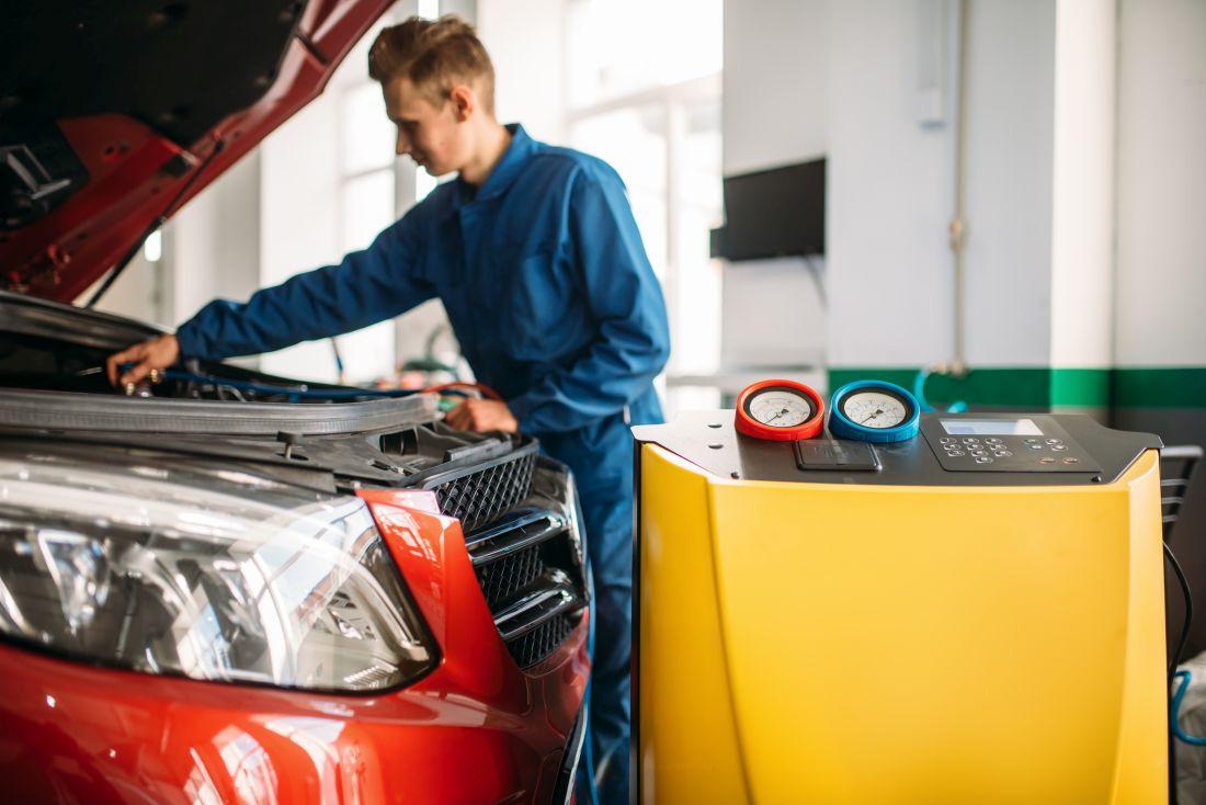 Jak odgrzybić klimatyzację w samochodzie – tanie ozonatory